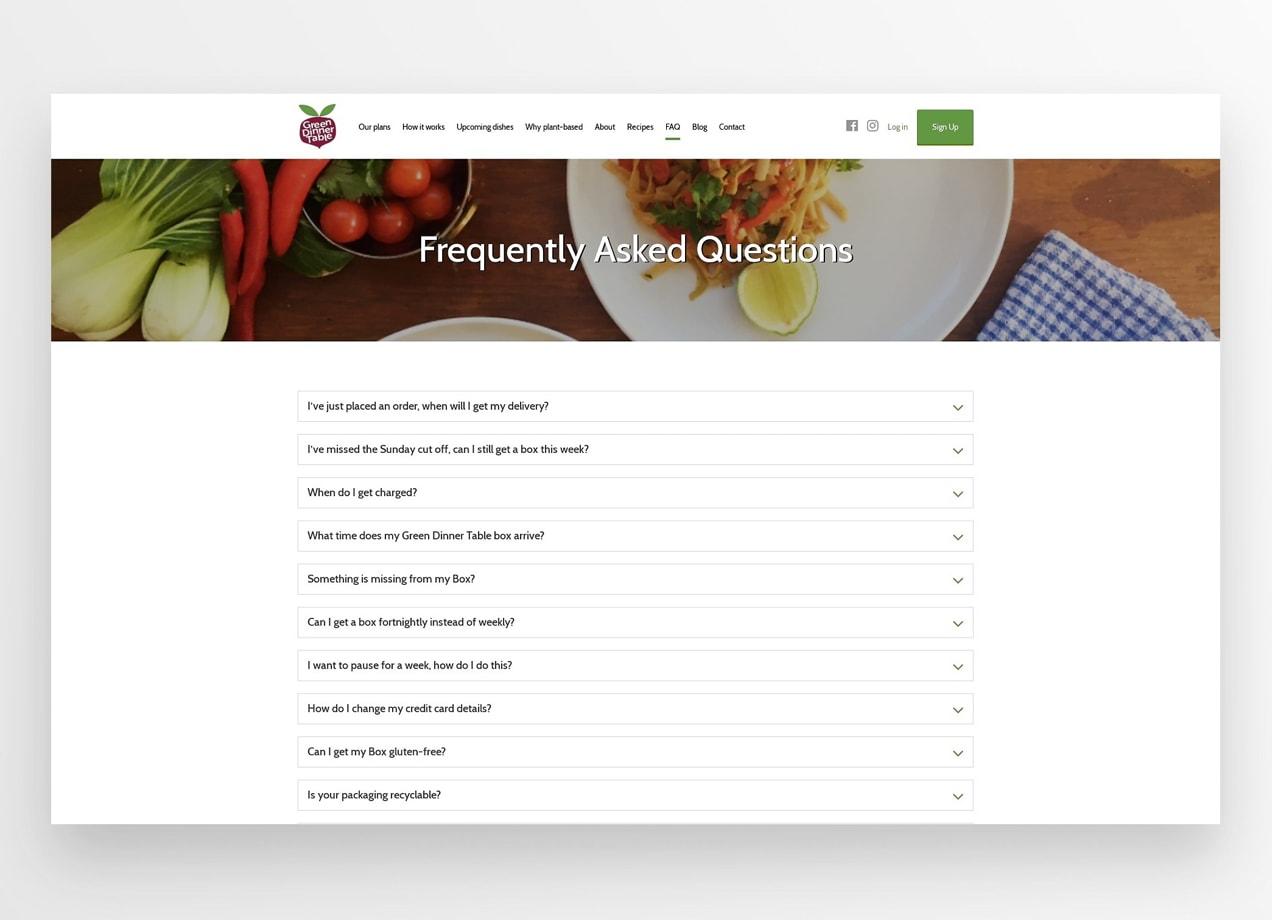 Ejemplo de una pagina de preguntas frecuentes con una fotografía de una mesa de comer.